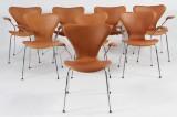 Arne Jacobsen. Otte armstole 'syveren' model 3207. (8)