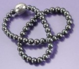 Ole Lynggaard. 18 kt. white gold clasp, brilliant-cut diamonds, 0.11 ct. + necklace (2)