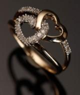 Ring af 9 kt, med 0,25 ct. diamanter