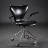 Arne Jacobsen. Kontorstol, model 3217