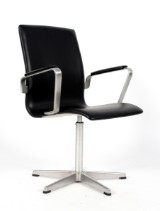 Arne Jacobsen. Oxford office chair