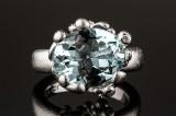 Ole Lynggaard. Flower aquamarine and brilliant-cut diamond ring, 18 kt. white gold