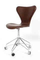 Arne Jacobsen. Office chair, model 3117