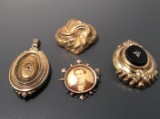 Antique brooches and medallion (4)