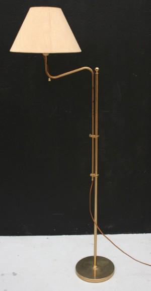 Golvlampa i mässing, Bergboms modell G 132 Lauritz com