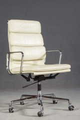 Charles & Ray Eames, Softpad office chair, model EA 219 by Vitra