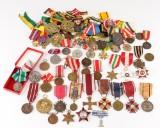 Diverse ordner og medaljer