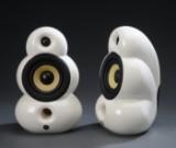 Et par SmallPod højtalere. (2)