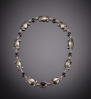 9ce86c4df9e Halskæde i sølv med sort agat, Moonlight blossom, Georg Jensen Denne vare  er sat