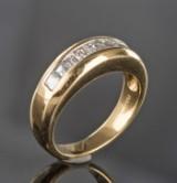 Ring av guld med diamanter, ca. 1.17 ct.