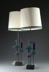 Svend Aage Holm Sørensen. Two table lamps, black-varnished iron and stained glass (2)