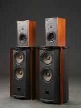 DCM samt Heybrook. Par bashøjttalere model Time Bass samt par monitors model HB2 (4)