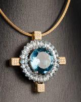 Pendant with aquamarine and blue topaz, 750 gold