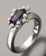 Ole Lynggaard. Ring - 'Blomsterkurv', 18 kt. white gold, with amethyst and diamonds