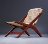 A. Hovmand Olsen. Lænestol af massivt teaktræ
