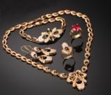 Egyptisk smykkesæt af 18 kt. (6)