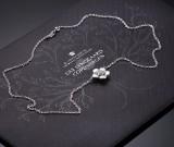 Ole Lynggaard. 'Blomst' halskæde i 18 kt. hvidguld med brillanter