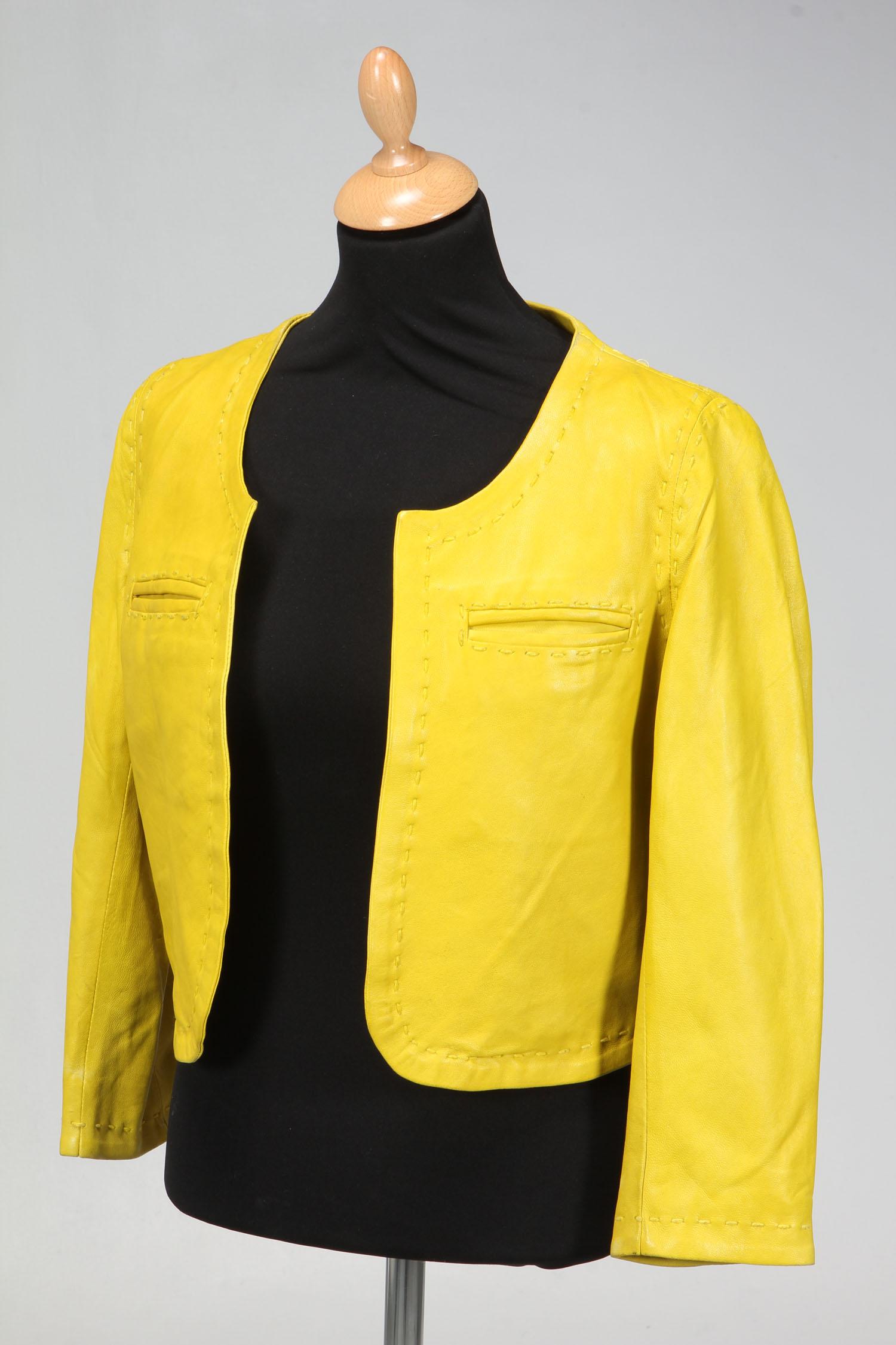 gul skindjakke
