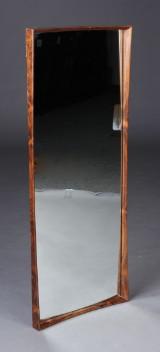 Dansk møbelproducent. Spejl, palisander
