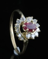 18kt ruby and diamond ring approx. 0.25ct