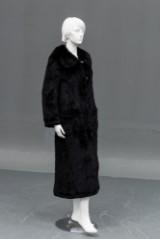 Frakke af strikket mink. Str 38