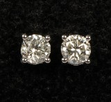 Diamond ear studs in 14 kt. white gold, with pair of diamonds of approx. 1.50 ct. (2)