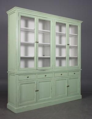 gro e vitrine schrank gr ner antikanstrich. Black Bedroom Furniture Sets. Home Design Ideas