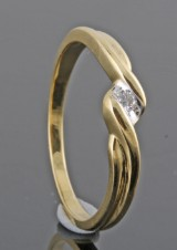 Diamond ring, 18kt. yellow gold, approx. 0.03 ct
