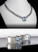 White gold necklace and earrings featuring aquamarines (3)