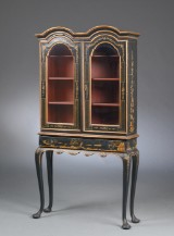 Baroque vitrine, black japanned and parcel-gilt wood, 18th century