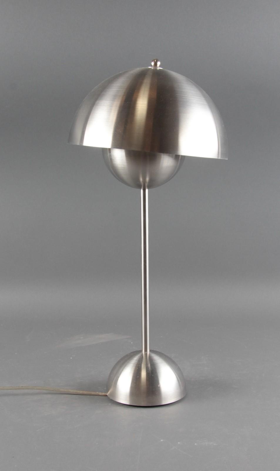 Picture of: Verner Panton Flowerpot Bordlampe Af Borstet Stal Lauritz Com