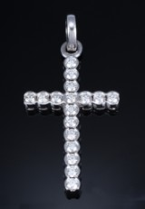 Diamond cross, 14 kt. white gold, total approx. 4.00 ct