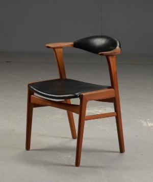 Enorm Dansk design. Stol udført i teak. Midten af 1900-tallet. | Lauritz.com HI-46