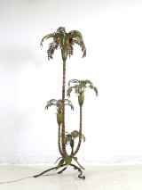 Standard lamp in the shape of a palm, polychromatic paint