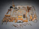 Samling ældre tømmerværktøj