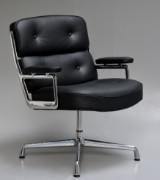 Charles og Ray Eames. Lobby Chair, ES-108, sort læder