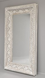 Nordal. Stort hvidt antikbemalet spejl