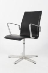 Arne Jacobsen. Oxford chair, model 3273, black leather