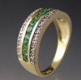 Smaragd - og diamantring.