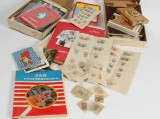 Samling frimærker. To kasser
