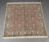 Persisk Moud håndknyttet tæppe. Mål 212 x 195 cm.