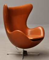 Arne Jacobsen: Lounge chair, The Egg - Elegance leather. 'Brown Label' from 2014