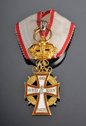 Lauritz.com - Mønter, sedler og barrer - Miniaturekors. Ridder af Dannebrog, guld - DK, Herlev ...