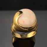 A ring with an Australian precious opal