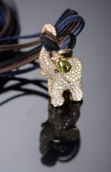 Ole Lynggaard. Elefant 'Cirkus' vedhæng af 18 kt. guld med brillanter ialt 4.27 ct.
