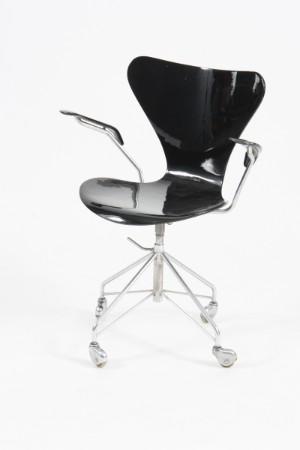 lot 3082103 arne jacobsen office chair model 3217 arne jacobsen office chair