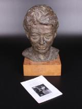 Bodil Kærn Jørgensen, Buste, bronce, Født 1922