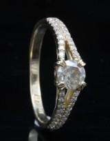 18kt diamond ring approx. 0.89ct