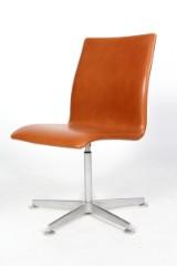 Arne Jacobsen. Oxford kontorstol. Walnut Elegnace læder.