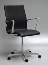 Arne Jacobsen. Oxford office chair, model 3291, Red Label, 2008